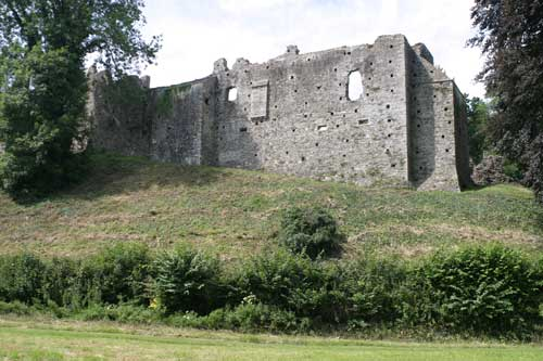 Okehampton Castle from the side