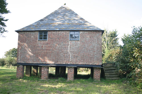 Tetcott granary, on stilts to deter rats and the like